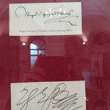 Podpisy Václava z Vchynic a Tetova a Albrechta Valdštejna.