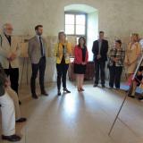 Výstavu zahájila dcera jednoho ze signatářů z rodiny Hildprandtů Jana baronka Hildprandtová.