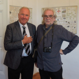 Majitel zámku s fotografem Karlem Feitlem.